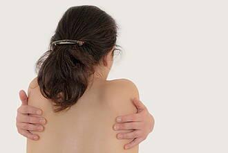 Das Fibromyalgiesyndrom ist schwer zu diagnostizieren. Eine Heilung gibt es bislang nicht