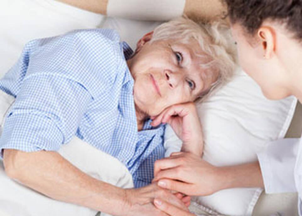 Ältere Patientinnen sterben heute genauso oft an metastasiertem Brustkrebs wie vor 20 Jahren
