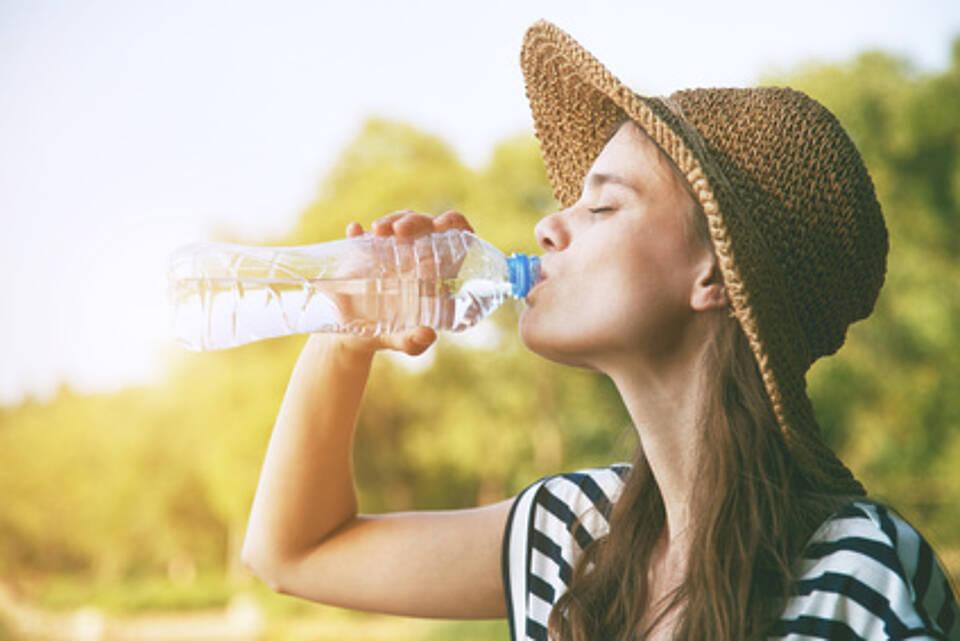 Hitzewelle, genügend trinken, Dehydrierung, Nierenversagen