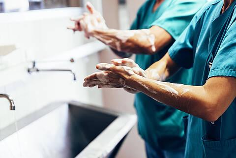 Mit dem neuen Zentrum für Infektionsmedizin schafft Vivantes besondere Expertise in der Bekämpfung von nosokomialen Infektionen und multiresistenten Erregern