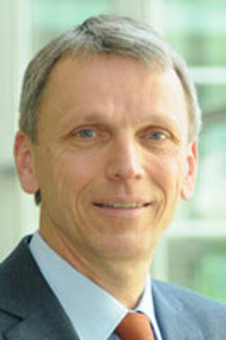 Prof. Dr. Ernst Hund, TTR-FAP-Spezialist