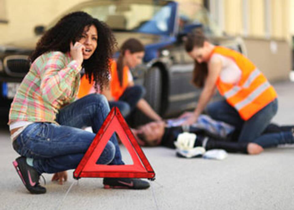 Nur jeder dritte Autofahrer kann Erste Hilfe