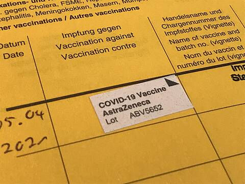 Nach einer Impfung ist das Risiko einer Sinusvenenthrombose weitaus geringer als nach einer Covid-19-Infektion