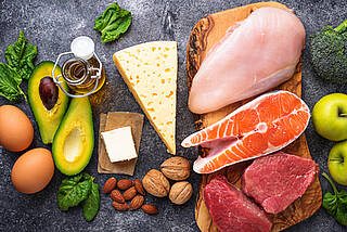 ketogene diät, low carb, proteine, fett, eiweiß, fisch, fleisch, nüsse