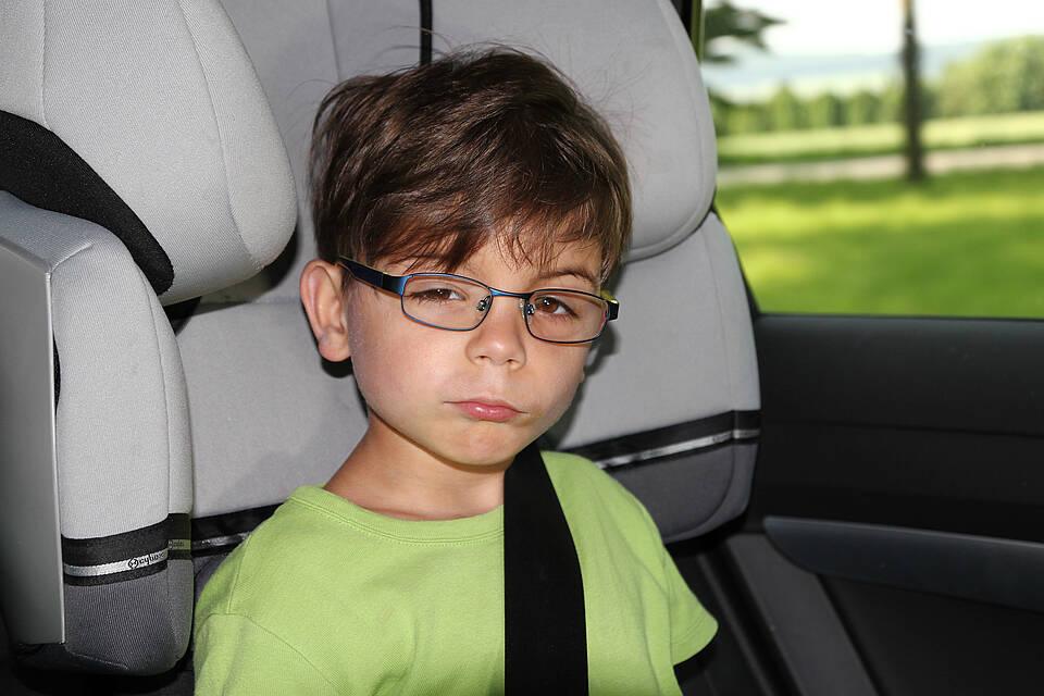 Reisekrankheit, Reiseübelkeit, Autofahrt, Kinder