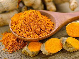 Kurkuma. curry, gelber ingwer, gewürz, heilpflanze