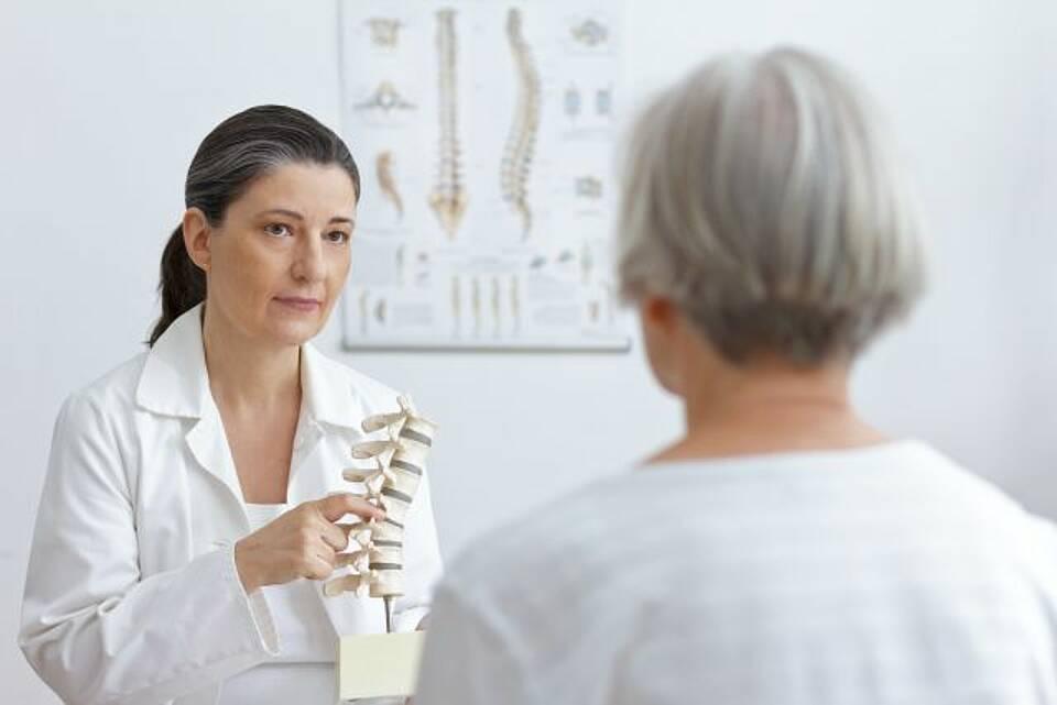 Osteoporose, Romosozumab, Zusatznutzen, Knochenbrüche