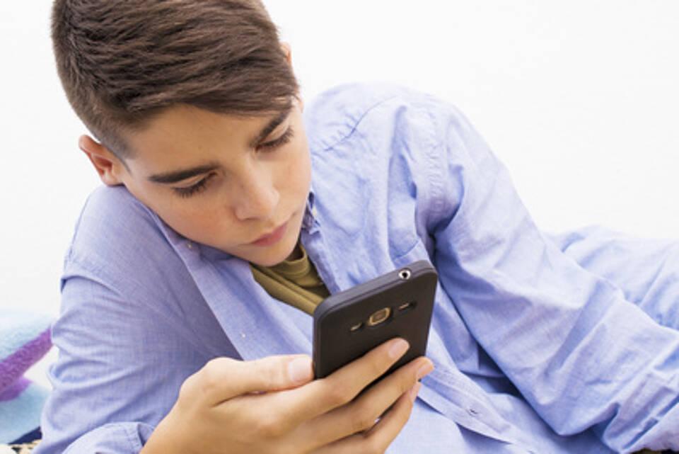 Social Media, Whatsapp und Co., soziale Medien, Social-Media-Sucht