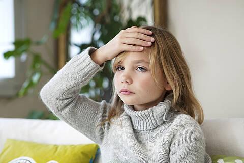 Bei an Covid-19 erkrankten Kindern sind Kopfschmerzen das häufigste Symptom