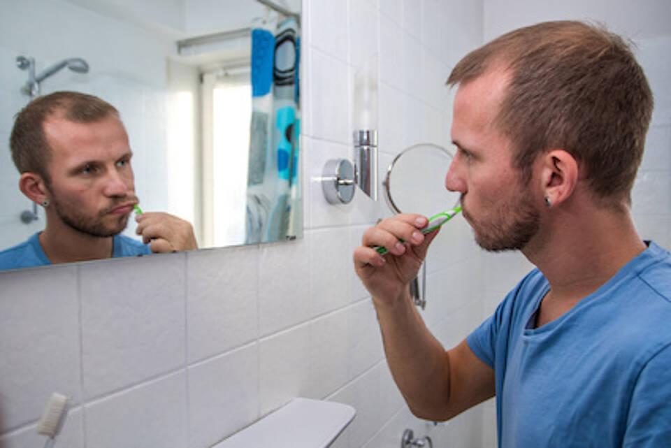 zahnpflege, zähneputzen, mundhygiene