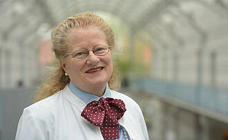 Elisabeth Steinhagen-Thiessen: Für ihre Verdienste um die Geriatrie das Bundesverdienstkreuz erhalten