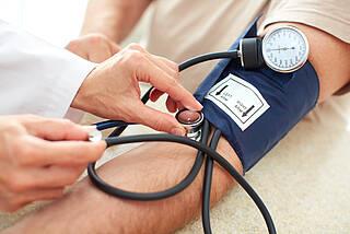 Schwankender Blutdruck ist gefährlich