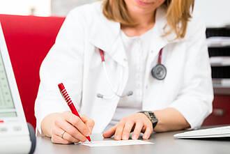Angst, den Patienten nichts anbieten zu können: Jedes dritte Rezept für Antibiotika oder Antidepressiva ist überflüssig