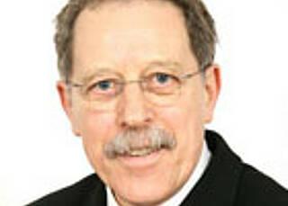 Dr. Hubert Bucher