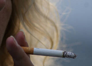 Rauchen kann genau wie Alkohol zur Abhängigkeit führen