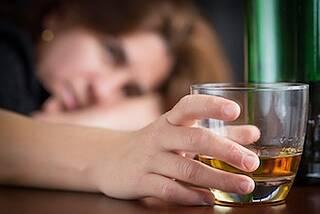 Gut situierte Frauen trinken mehr Alkohol