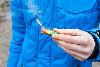 Richtig verhalten bei Feuerwerks-Verletzungen