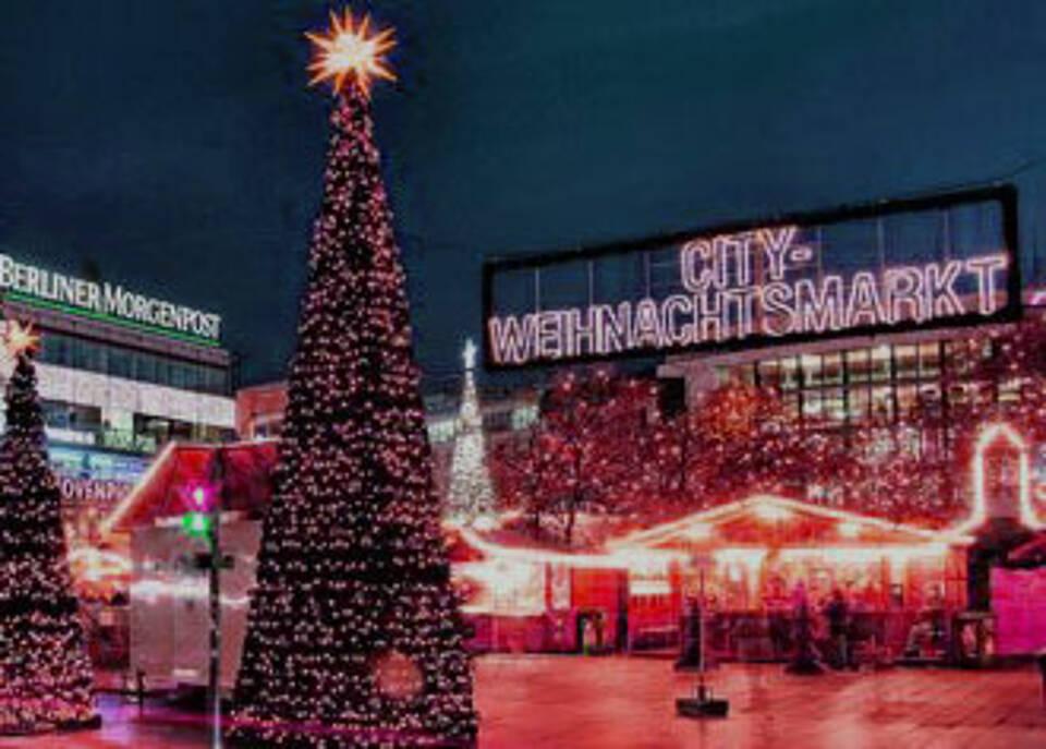 Anschlag auf den Berliner Weihnachtsmarkt an der Gedächtniskirche hat bislang zwölf Todesopfer gefordert. Die Versorgung der Verletzten dauert an
