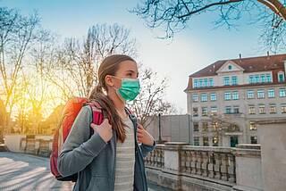 Corona-Pandemie, Schulschließungen