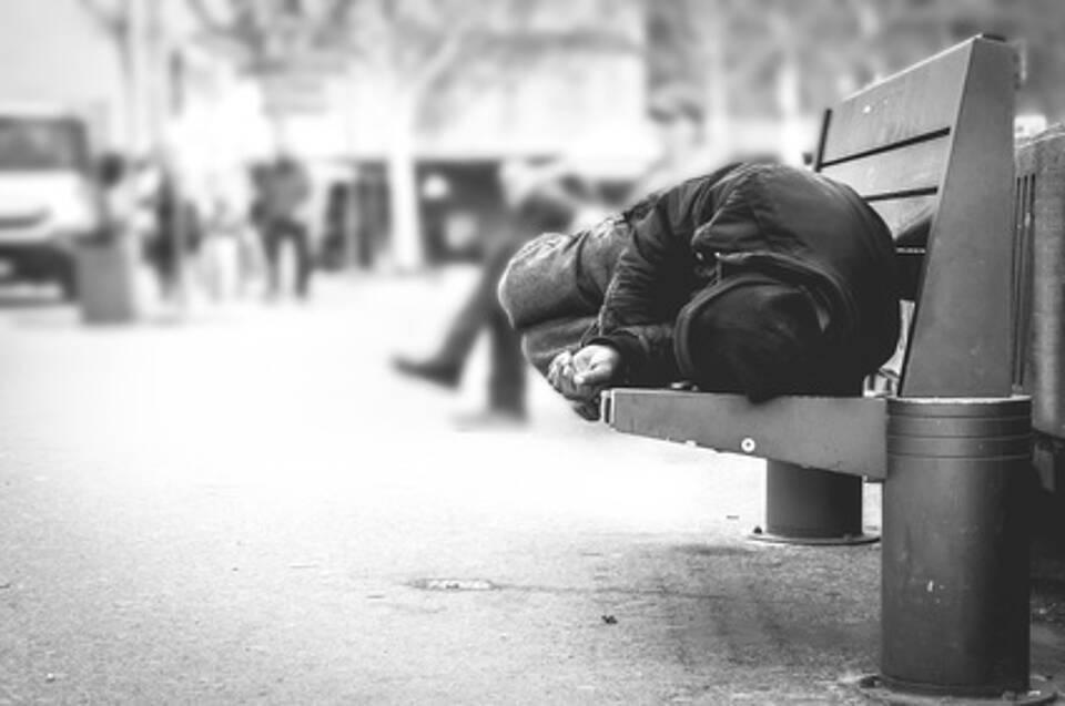 Bedürftigkeit, Hilfsangebote, Obdachlose