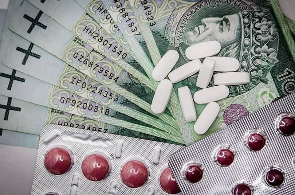 Die Kosten für Krebsmedikamente explodieren. Der Barmer Arzneimittelreport sieht kein angemessenes Preis-Leistungsverhältnis