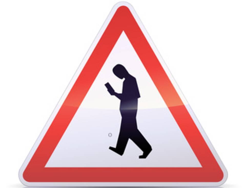 Smartphone-bezogene Unfälle, Smombies, Straßenverkehr, Smartphones