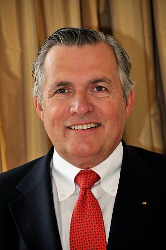 Dr. Manfred Elff
