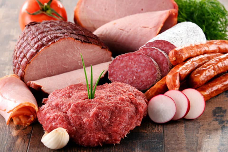 Bei der Zubereitung von Fleisch und Wurst entstehen karzinogene Stoffe
