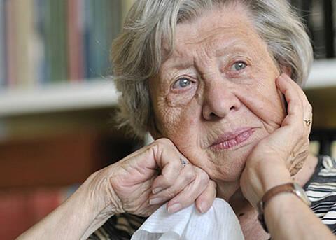 Auch bei älteren Menschen können Psychotherapien wirken