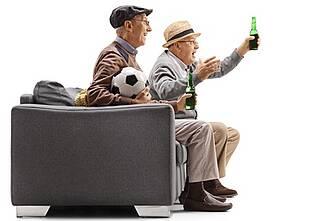 Im Alter wird Alkohol nicht mehr so gut vertragen. Vielen ist das gar nicht bewusst