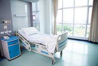 Krankenhauszimmer, krankenbett
