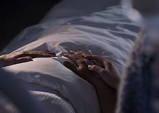 Palliative Sedierung beschleunigt Sterben nicht