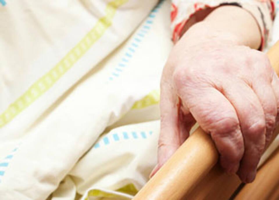 Krankenhäuser mit der Versorgung Demenzkranker überfordert