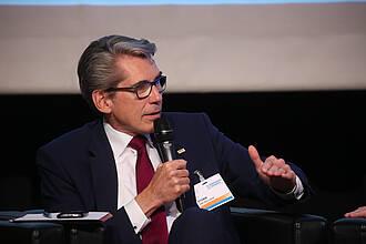 DAK-Vorstand Andreas Storm: Die Menschen wollen zu Hause alt werden. Ein Weg könnten Pflegekompetenzzentren sein