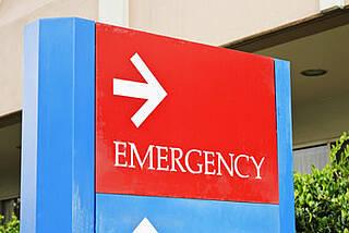 Kliniken werden zum Notfall: Das geplante Krankenhausstrukturgesetz sieht weitere finanzielle Kürzungen vor