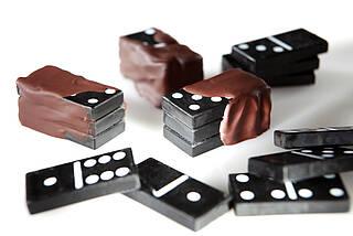 Wahrnehmungssache: Schokopralinen oder Dominosteine?
