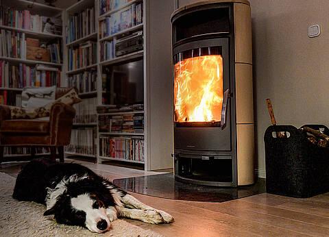 Vorsicht CO-Vergiftungsgefahr: Kamine und Kachelöfen können zu hohen Kohlenmonoxid-Konzentrationen in Innenräumen führen