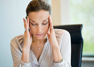 30 bis 40 Prozent aller Kopfschmerzformen gelten als schmerzmittelinduziert