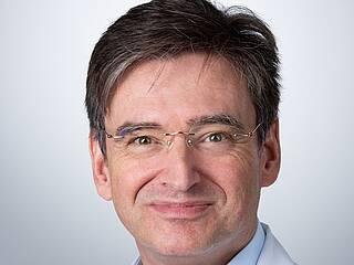 Hirntumorexperte Marc-Eric Halatsch untersucht eine Kombinationsbehandlung aus TTFields und CUSP9v3