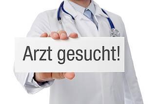 Die Bundesärztekammer warnt: Obwohl die Zahl der Ärzte steigt, wächst auch der Ärztemangel.