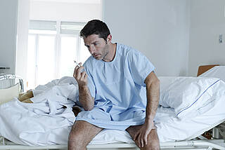 Raucher haben weniger Komplikationen nach OP, wenn eine Rauchpause eingelegt wird
