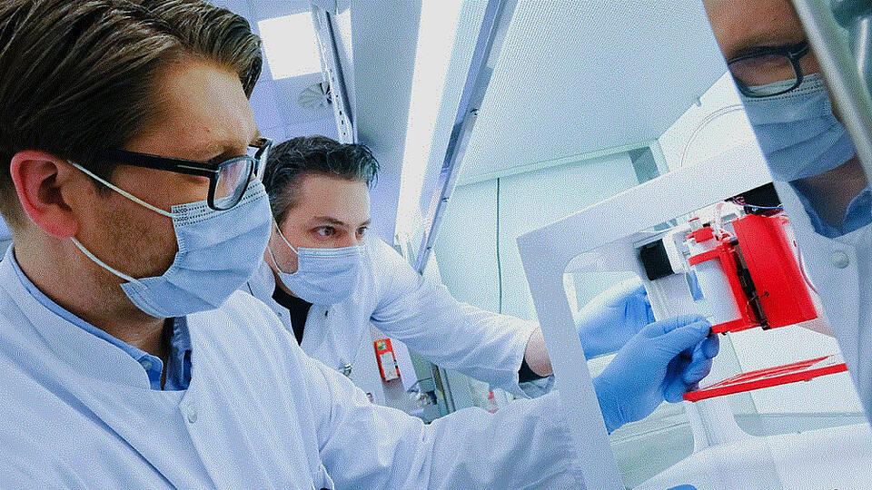 Kieler Forscher entwickeln 3D-Biodrucker zur Herstellung von Bypass-Blutgefäßen.