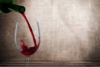 Die gesundheitsfördernde Wirkung von Rotwein wird auf Pflanzenstoffe zurückgeführt