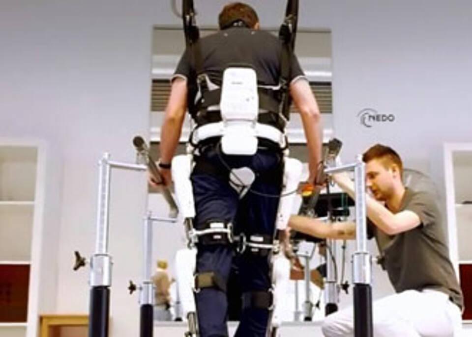 Großes Potenzial: Exoskelette bringen Querschnittsgelähmte wieder in Bewegung.