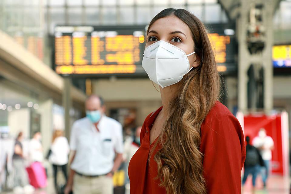 Die Great Barrington Declaration fordert die sofortige Aufhebung aller Beschränkungen des öffentlichen und privaten Lebens. Virologen halten die Strategie für gefährlich
