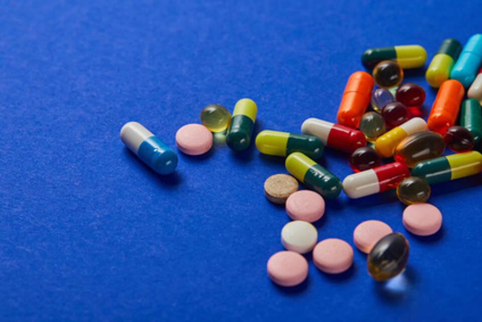 vitaminpräparate, nahrungergänzungsmittel, vitamine, mineralstoffe