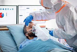 corona-patient, covid-19-patient, atemmaske