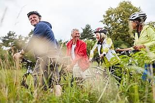fahrradtour, fahrradausflug, radfahren, radeln, natur, seniorenradeln,