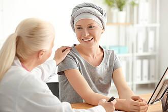 Die Darmkrebs-Behandlung in den USA ist maßgeschneiderter als in Deutschland. Dadurch haben amerikanische Patienten einen Überlebensvorteil
