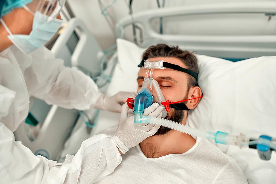 Jung, ungeimpft und schwer an Covid erkrankt: So sieht derzeit die Situation auf den Intensivstationen des Universitätsklinikums aus